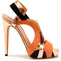 These are just the most beautiful shoes. Dream Shoes, Crazy Shoes, Me Too Shoes, Talons Oranges, Zapatos Shoes, Shoes Heels, Gold Heels, Heeled Sandals, Hot Shoes