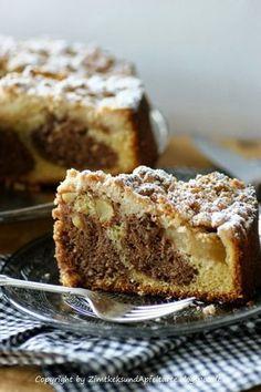 Zimtkeks and apple tart: apple crumble cake with cinnamon and hazelnuts - So leckerrrrrrrr ! Apple Recipes, Sweet Recipes, Baking Recipes, Cake Recipes, Dessert Recipes, Food Cakes, Cupcake Cakes, Apple Crumble Cake, Streusel Cake
