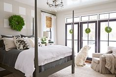 Allison Mills knows what she wants for Christmas—minimal fuss. Her holiday decor's checklist: fresh greenery, touches of black and repurposing what she has on hand.
