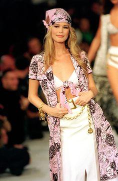 Chanel 1993-94- Claudia Schiffer