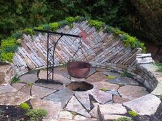 Backyard fire pit ideas landscaping - large and beautiful photos. Photo to select Backyard fire pit ideas landscaping Fire Pit Video, Easy Fire Pit, Small Fire Pit, Modern Fire Pit, Fire Pit Wall, Metal Fire Pit, Fire Pit Area, Garden Fire Pit, Fire Pit Backyard