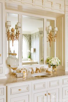 Clive Christian architectural bathroom in classic cream Dallas Clive Christian architectural bathroom in classic cream Dallas Dream Bathrooms, Beautiful Bathrooms, Small Bathroom, Bathroom Ideas, Marble Bathrooms, Budget Bathroom, Bathroom Scales, White Bathrooms, Gold Bathroom
