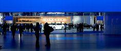 Grande afflusso di visitatori al salone di Detroit 2013 Scritto da Antonella Previtali -  Il NAIAS, come da qualche anno ormai, non è più solo una vetrina di bizzarre auto americane, grossi sport utility e mega light truck, ma, grazie al ravvicinamento automobilistico tra le due sponde dell'Atlantico, è una finestra sulle novità mondiali dell'industria dell'automobile.