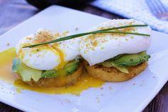 Healthy Polenta Eggs Benedict