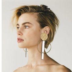 Welche Ohrringe wählen Sie nach Frisur
