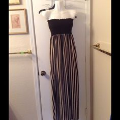 Maxie Dress Good condition! Have some pulling on the dress. Slip on both sides. Size large. Dresses Maxi