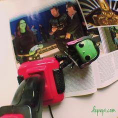 It's all fun and retro games with Gamora  I can't wait to see the film!!! I neeeeeedsss iiiit! (Read this like Gollum)  #booksandpops #bookstagrammer #bookaddict #geeklife #funkofunatic #funko #booklover #bookblog #bookstagramcommunity #funkopopuk #funkopops #bookworms #geek #bookstagram #bookworm #bookblogger #booklove #popculture #booklovers #bookphotography #bookish #libri #libridaleggere #guardiansofthegalaxy #gotgvol2 #starlord #marvel #marvelcomics #gamora #nerd
