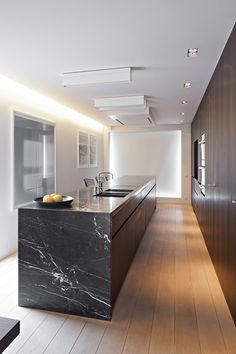 black-marble-kitchen-island-kucheninsel-aus-schwarzem-marmor - The world's most private search engine Stone Kitchen, New Kitchen, Kitchen Dining, Kitchen Grey, Kitchen Decor, Island Kitchen, Kitchen Cabinets, Modern Kitchen Design, Interior Design Kitchen