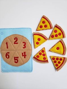 Learn to count - felt pizza counting quiet book page - number match - quiet book page - busy book Diy Busy Books, Diy Quiet Books, Baby Quiet Book, Felt Quiet Books, Baby Crafts, Felt Crafts, Felt Kids, Quiet Book Patterns, Learn To Count