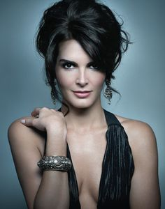 Why has Angie Harmon never made the top brunettes list? Because whoever makes those lists are BLIND. That's why.