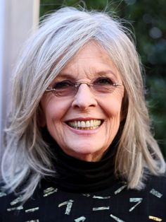 26 Diane Keaton Hairstyles for Women Over 50 – hair style for women Messy Bob Hairstyles, Hairstyles Over 50, Trending Hairstyles, Short Hairstyles For Women, Straight Hairstyles, Long Haircuts, Mid Length Hair, Shoulder Length Hair, Hair Styles For Women Over 50