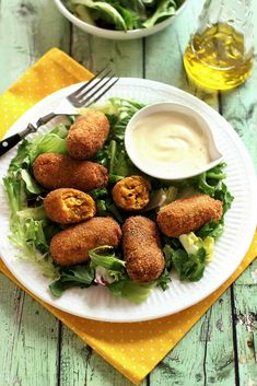 SÜTŐTÖKÖS KROKETT ~ Veg Recipes, Falafel, Food And Drink, Vegan, Puffer, Hamburger Patties, Falafels, Vegetarian Recipes