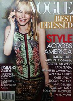 """Todo ano a Vogue americana lança um revista especial com uma lista das mulheres mais bem vestidas do ano. Atrizes, cantoras, modelos, das clássicas às revelações, tem de tudo e tudo com o carimbo Vogue de """"tenho razão!"""". Sabe quem foi a escolhida desse ano?! Emma Stone! A loira/ruiva mais querida e simpática da América. …"""