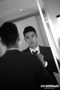 hammy side of him that we've seen in his last 2 roles in k-dramaland, I find the serious Eunhyuk, Kim Heechul, Super Junior, Korean Celebrities, Korean Actors, Celebs, Kpop, Kdrama, Choi Siwon