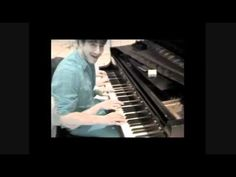 """Marcus Mumford Playing Piano """"I've now developed a third hand...and a forth..""""  HAHAHA!"""