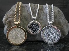 Rojers Jewellery has a stunning collection of Nikki Lissoni Rock Crystal Coins! Jewelry Box, Jewlery, Estilo Glamour, New Jewellery Design, Textiles, Jewelry Collection, Sparkle, Bling, Pendants