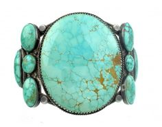 One of the great things about old Navajo silver is the stones you will find on this antique creations. It wasn't until early 1980s that Chinese turquoise arrived, so you usually have American rock before that date, except for some Persian Turquoise and a