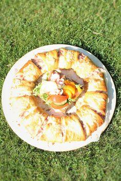 Pienet herkkusuut: Helppo ja herkullinen croissant-kranssi
