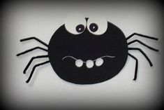 Kousací pavouk Insects, Ms, Halloween, Handmade, Monsters, Crafts, Hand Made, Craft, Halloween Labels