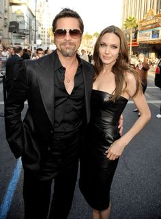 """Angelina Jolie & Brad Pitt - """"Inglorious Basterds"""" LA Premiere at the Grauman's Chinese Theatre in California (August 10, 2009)"""