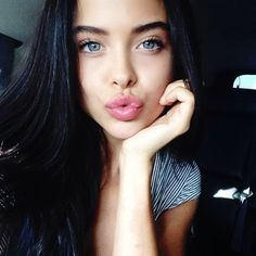 Girl With Blue Eyes And Black Hair Makeup Tips and Everything You Need to Know - TheFashionWeeks Beauty Make-up, Beauty Hacks, Hair Beauty, Lisa Kelly, Kelly Lebrock, Tumbrl Girls, Alena Shishkova, Girls With Black Hair, Gray Eyes