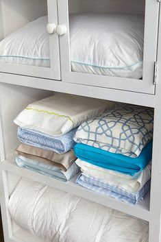 Don't let your matching sheets get lost in the linen closet. Store the set inside the matching pillow case. I took it a step further by storing the sheets in the corresponding bedroom closet. Made more room in my linen closet! Organisation Hacks, Office Organization, Clothing Organization, Bathroom Organization, Organize Your Life, Organizing Your Home, Organizing Tips, Cleaning Tips, Organising Hacks
