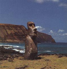 Easter Island Moai 2 Tiki Tiki, Tiki Hut, Rockabilly, Easter Island Moai, Polynesian Islands, Tiki Decor, Tiki Lounge, Polynesian Culture, Tiki Room