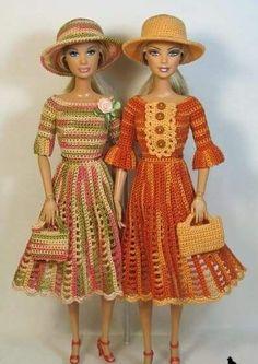 Now, these are adorable little oufits!ru - Играем в куклы :: Тема: Багира: Галерея работ Crochet Doll Dress, Crochet Barbie Clothes, Knitted Dolls, Habit Barbie, Fashion Dolls, Fashion Outfits, Barbie Clothes Patterns, American Girl, Mini Vestidos