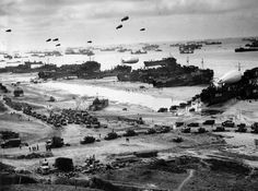 D-day 6 Juli 1944. Op deze dag besloten de geallieerden weer mee te doen aan de oorlog en kwamen aan bij de kust van Normandië. De geallieerden gingen vanuit westen naar Berlijn en Rusland ging vanuit het oosten. Uiteindelijk kwamen de Russen aan in Berlijn en pleegde Hitler zelfmoord. De Duitsers gaven zich kort daarna over en de oorlog in Europa was voorbij. Wij hebben deze foto gekozen, omdat hier te zien is dat de geallieerden in Normandië aan land komen en zo verder het land intrekken.
