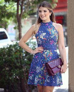 """""""Começando minhas escolhas na @doceflorsp Tem vestido mais perfeito pro verão??  Apaixonada na estampa e no modelo! • #verao16 #lancamentodoceflor…"""""""