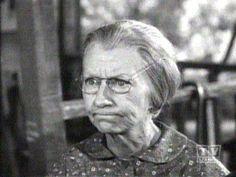 TV: The Beverly Hillbillies - Granny (Irene Ryan) Ryan Hill, Irene Ryan, Buddy Ebsen, The Beverly Hillbillies, Old Shows, Hillbilly, Old Tv, Interesting Faces, Funny People