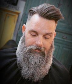 Love this beard. Love this beard. Moustache, Beard No Mustache, Long Beard Styles, Hair And Beard Styles, Grey Hair Beard, Tapered Beard, Beard And Mustache Styles, Beard Tips, Beard Ideas