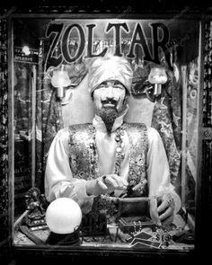 ZOLTAR - Fortune Teller