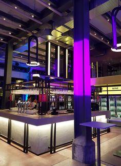 Verlichting bar van The Student Hotel in Maastricht gerealiseerd. De gehele bar verlicht met LED lichtpanelen van Led-e-Lux. Het eindresultaat is heel erg mooi geworden, dit in samenwerking met: Bar: The Commons van The Student Hotel Ontwerp: Studio Modijefsky Interieuwbouwer: Fiction Factory Led, Fiction, Student, Fiction Writing, Science Fiction