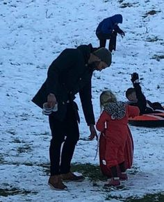 Jamie and his daughter Dulcie in Cotswolds (England) today. Jamie Dornan Kids, Jamie Dornan Daughter, Jaime Dornan, Family Goals, Family Guy, James Patrick, February 6th, Dear Future Husband, Christian Grey