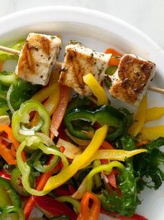 Rosemary Swordfish Skewers with Sweet Pepper Salad 51 Healthy Weeknight Dinners That'll Make You Feel Great Quick Recipes, Fish Recipes, Seafood Recipes, Dinner Recipes, Cooking Recipes, Healthy Recipes, Detox Recipes, Healthy Meals, Dinner Ideas