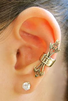 Bronze Quiver And Arrows Ear Cuff. $22.00, via Etsy. - Very Artemis, I like it.