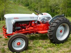 1953 Ford Golden Jubilee Tractor : http://www.outbid.com/auctions/1183#2