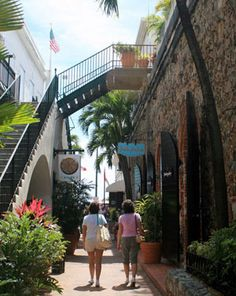 Shopping in Charlotte Amalie, St Thomas! St Thomas Vi, Places To Travel, Places To See, Carnival Glory, Water Island, Polynesian Islands, Cozumel Mexico, Cruise Destinations, Us Virgin Islands