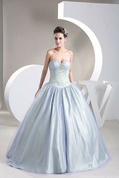 Unique Beading Ball Gown Sweetheart Bi-colors Tulle Wedding Dress