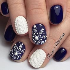 navy and white  winter nail art