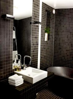 The more I look at black and white bathrooms the more I want one!! All tile!