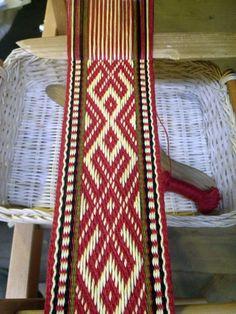 Inkle Weaving, Inkle Loom, Card Weaving, Tablet Weaving Patterns, Weaving Textiles, Ashford Loom, Finger Weaving, Spinning Yarn, Carving Designs