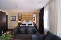 Shaftesbury Hotels provides best & lowest London accommodation rates situated in prime locations across London for easy access to attractions and events. London Accommodation, London Hotels, Hotel Deals, Arch, Bed, Marble, Furniture, United Kingdom, Home Decor