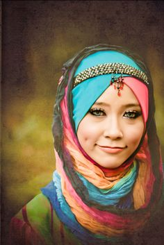 colors and headpiece