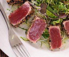 Tagliata di tonno in crosta di sesamo