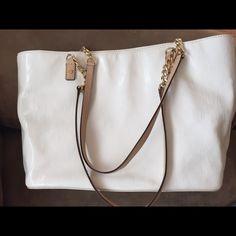 Gorgeous white patent later MK purse Excellent condition. Please no lowballing Michael Kors Bags Shoulder Bags