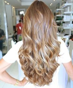 """Hair Color Trends 2018 Highlights : Caramel blonde LOVE this color. But according to Angel """"It's just br"""