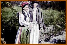 Tarani romani si portul lor din 1911. Romania, Victorian, Dresses, Fashion, Vestidos, Moda, Fashion Styles, Dress, Fashion Illustrations