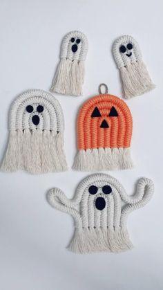 Macrame Wall Hanging Patterns, Macrame Patterns, Diy Halloween Decorations, Halloween Crafts, Yarn Crafts, Rope Crafts, Macrame Projects, String Art, Crafty
